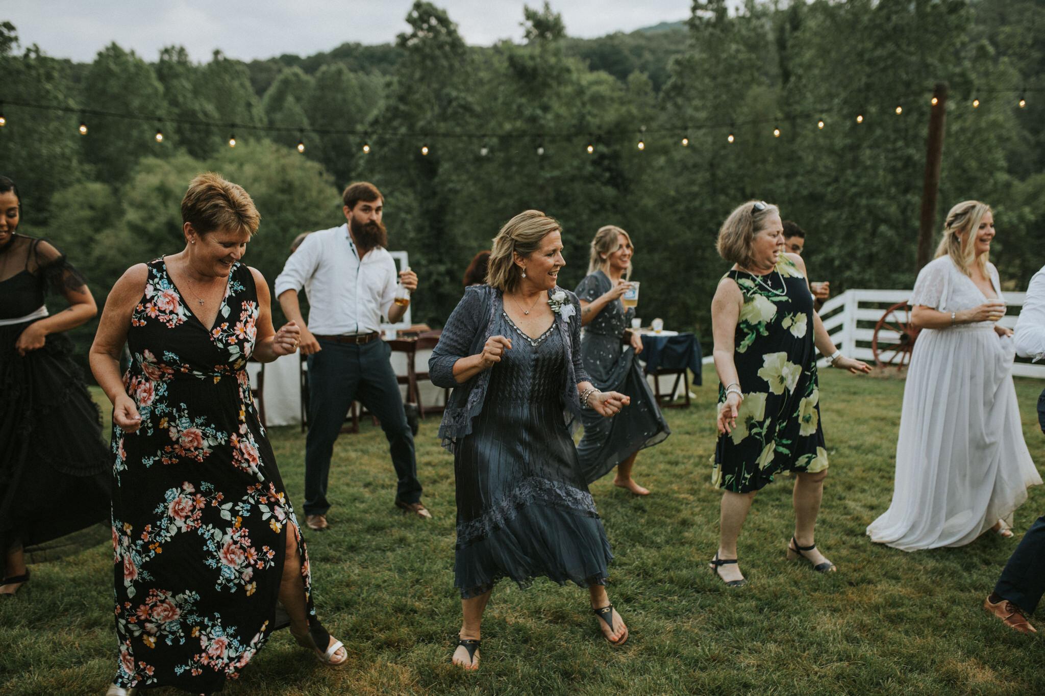 KateMatt-North-Georgia-Wedding-Photographer-Mountain-Laurel-Farm-150.jpg