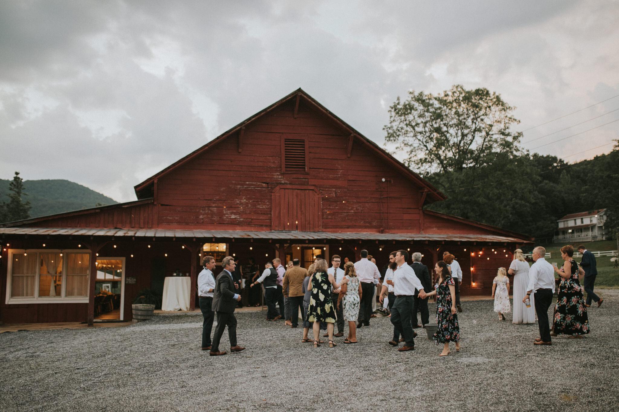 KateMatt-North-Georgia-Wedding-Photographer-Mountain-Laurel-Farm-166.jpg