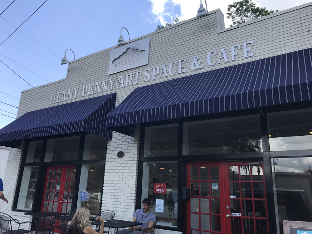 So fun to see the newest addition to the Fox Empire, Henny Penny Art Space & Cafe. Home to the power combo of Foxy Loxy Cafe and Scribble Art Studio.