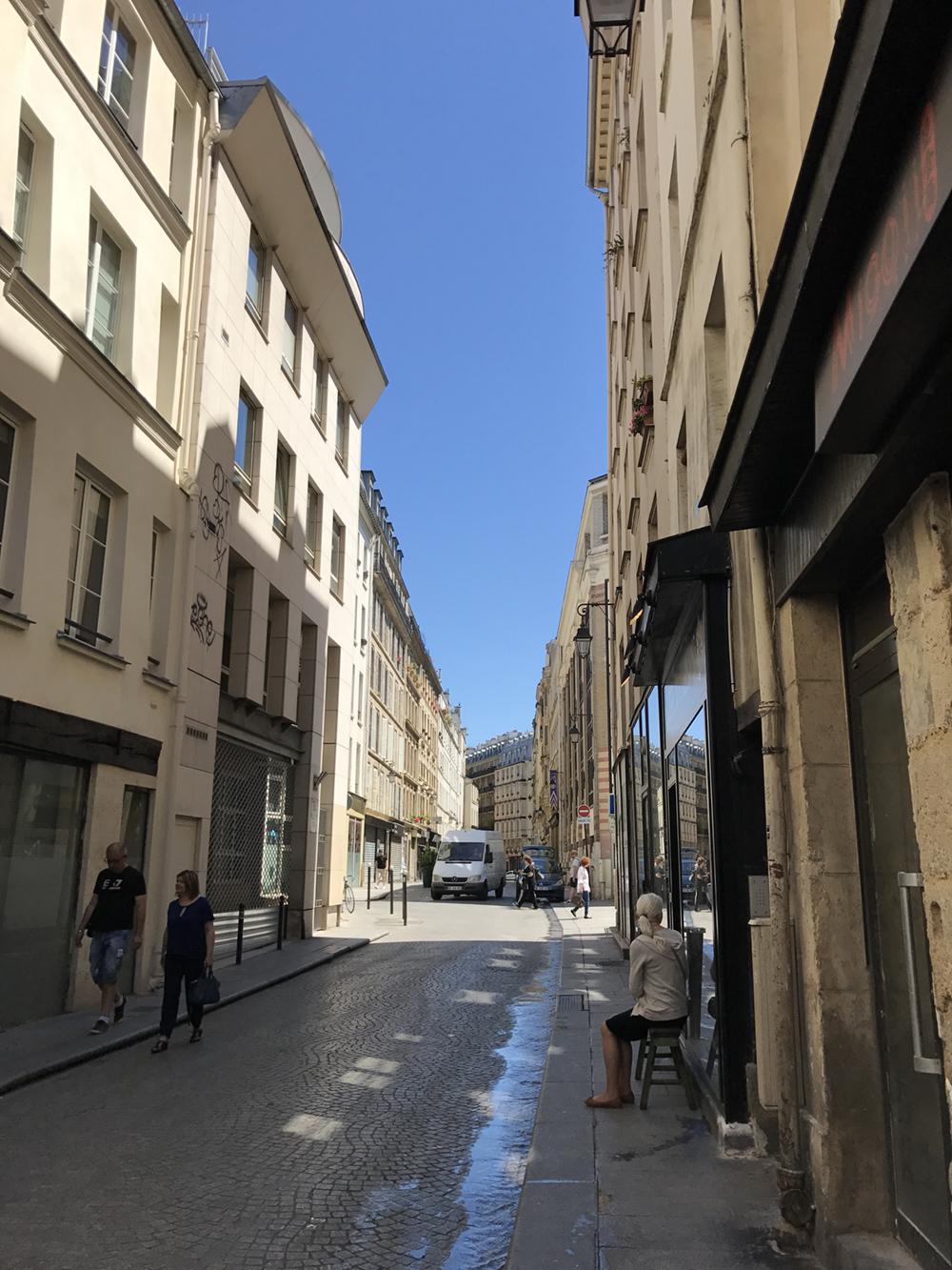My Paris neighborhood,  Rue Montorgueil