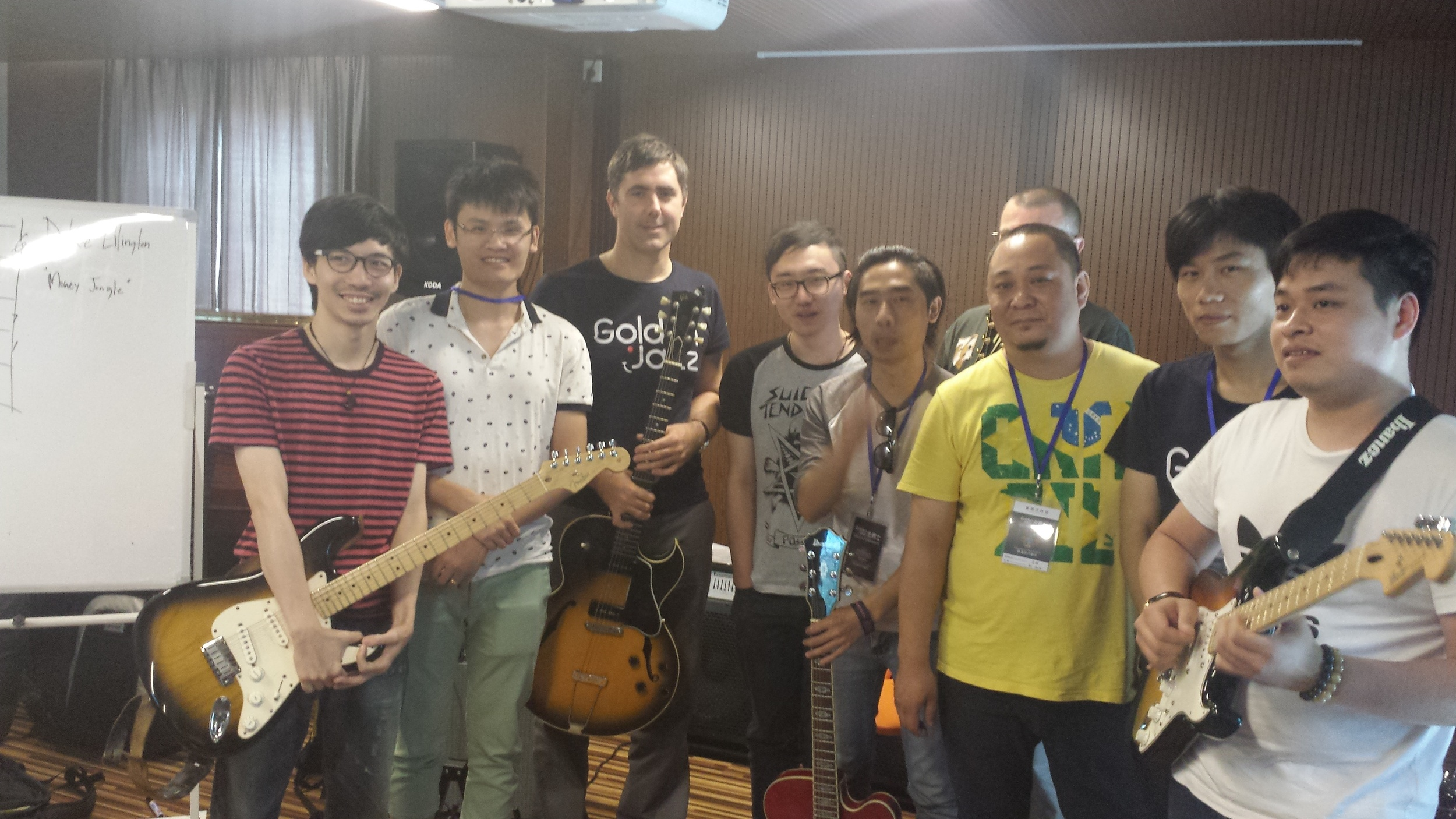 Guitarists group shot after masterclass in China .jpg
