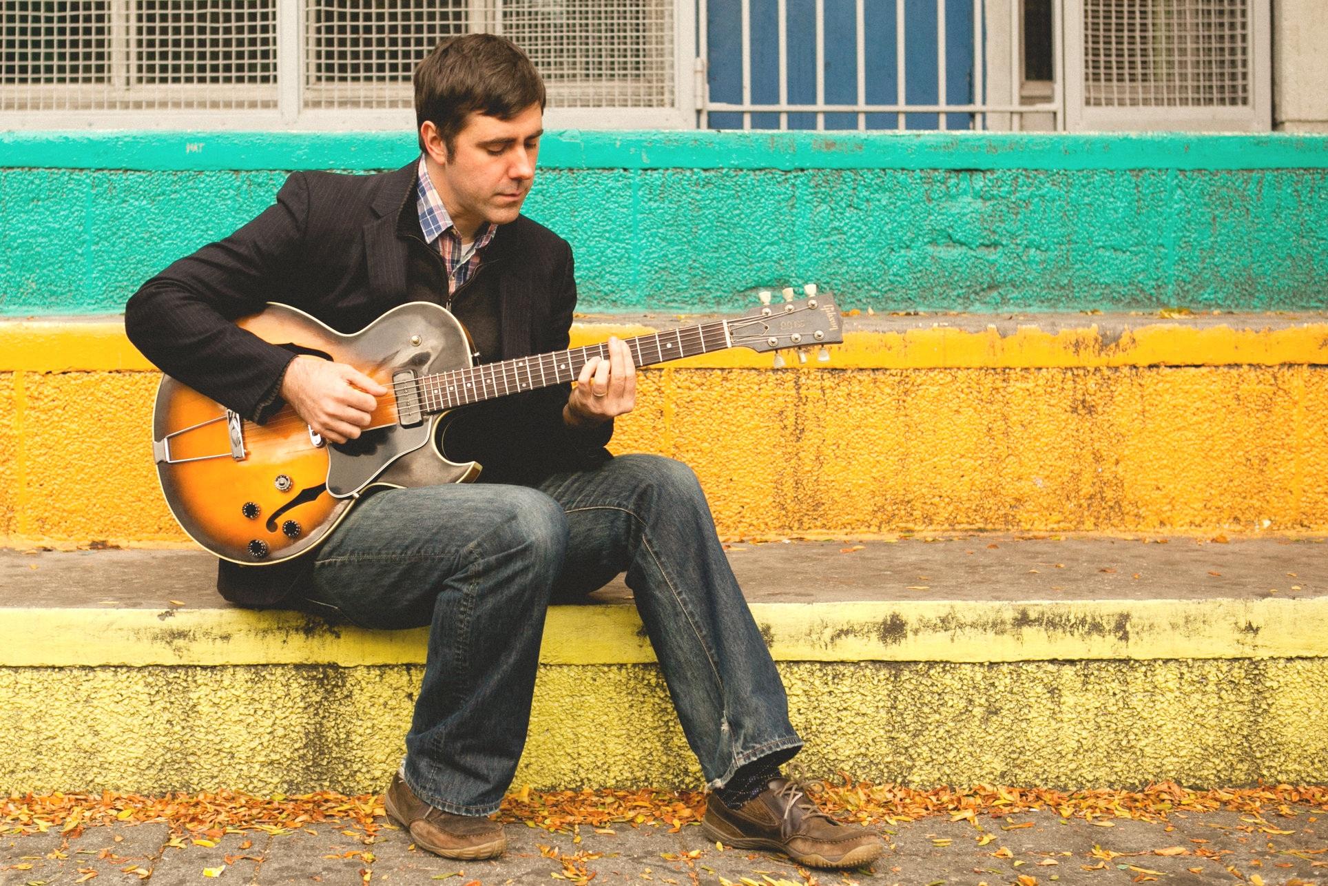 Matt+Davis+with+Guitar.jpg