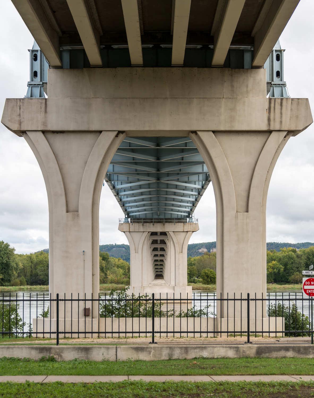 Under-structure of the Wabasha–Nelson Bridge