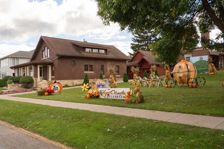 Fall display near National Eagle Center