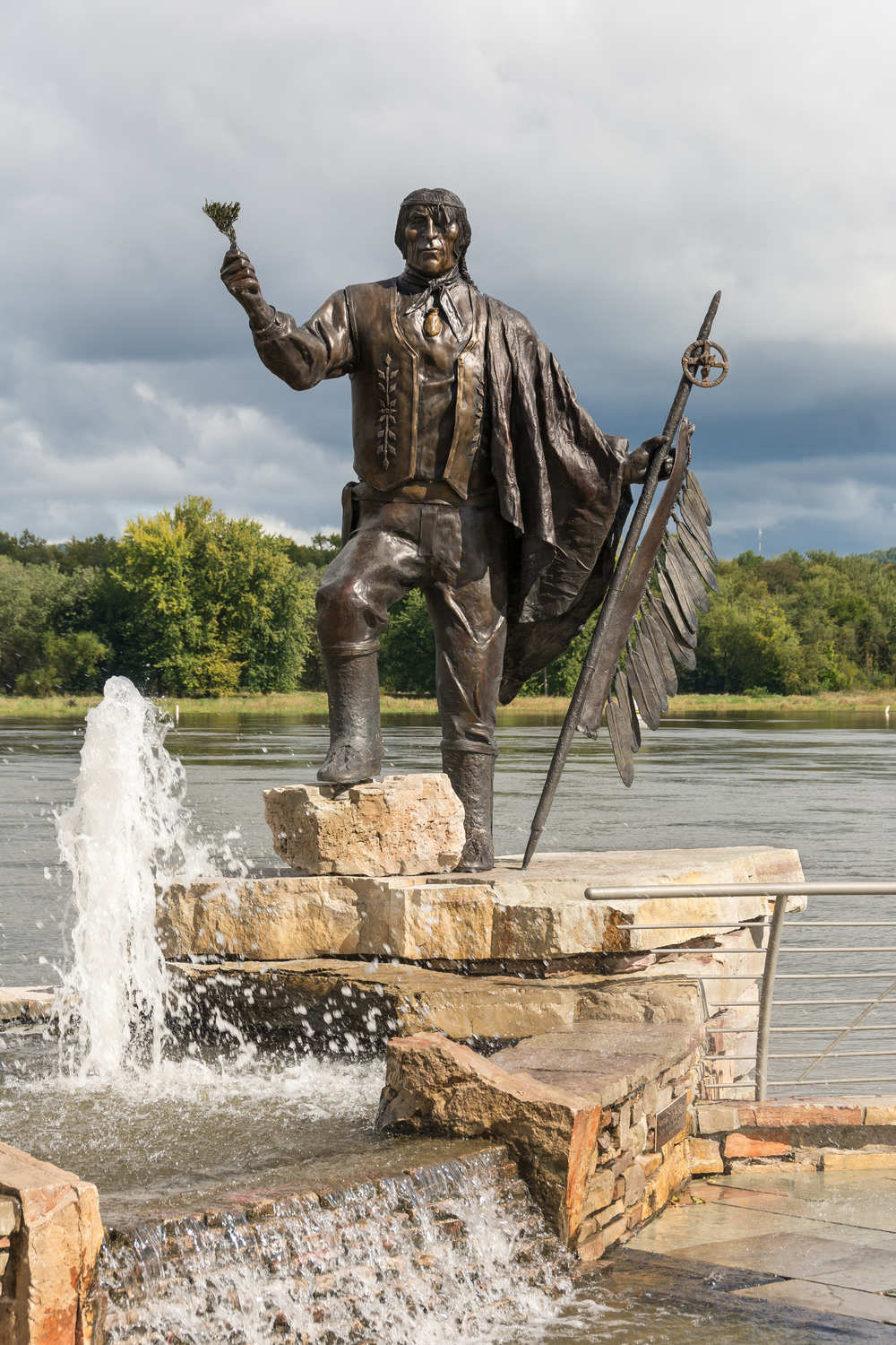 Ten foot bronze sculpture of Chief Wabasha II at the riverfront next to the National Eagle Center