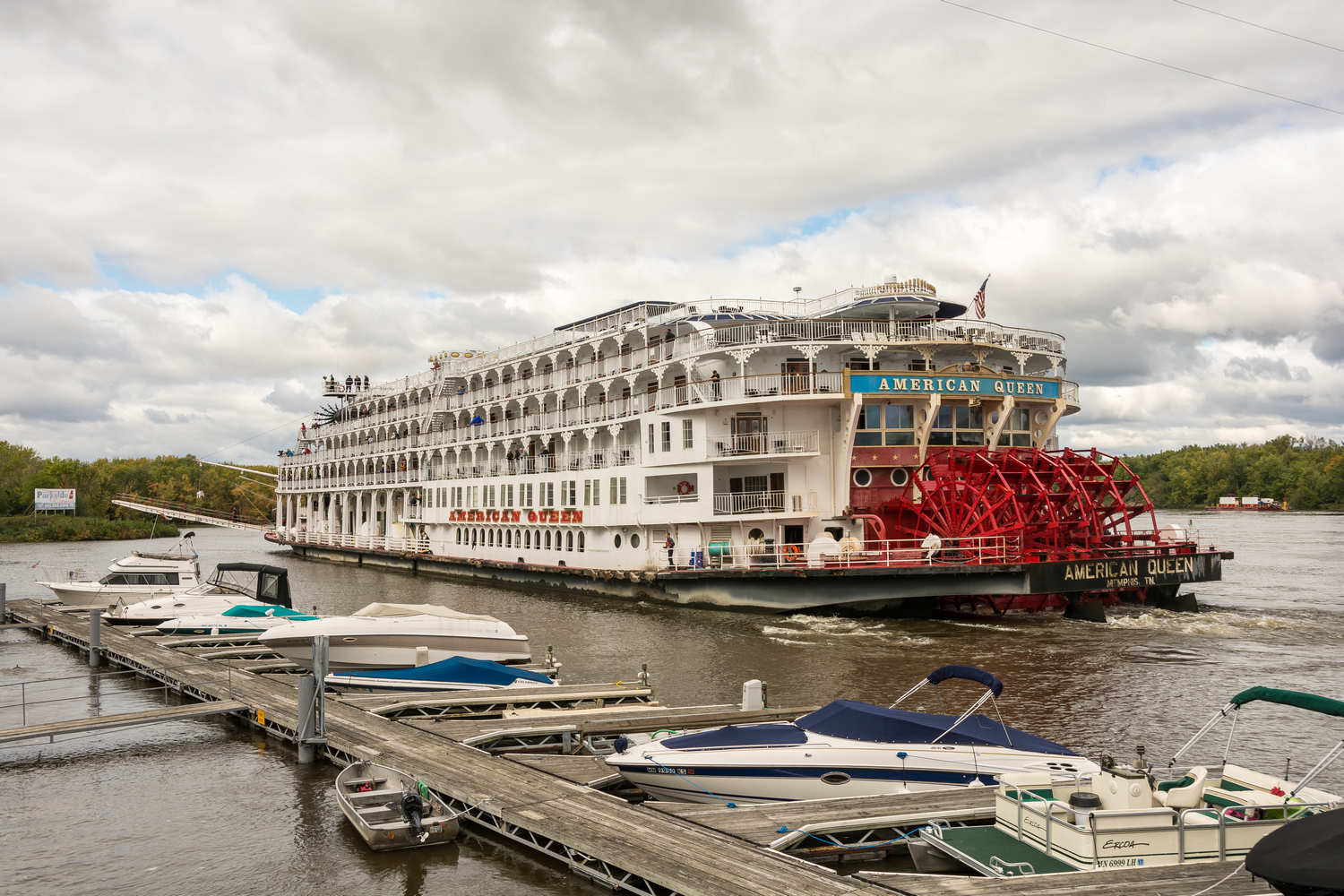 American Queen, the largest steamboat ever built