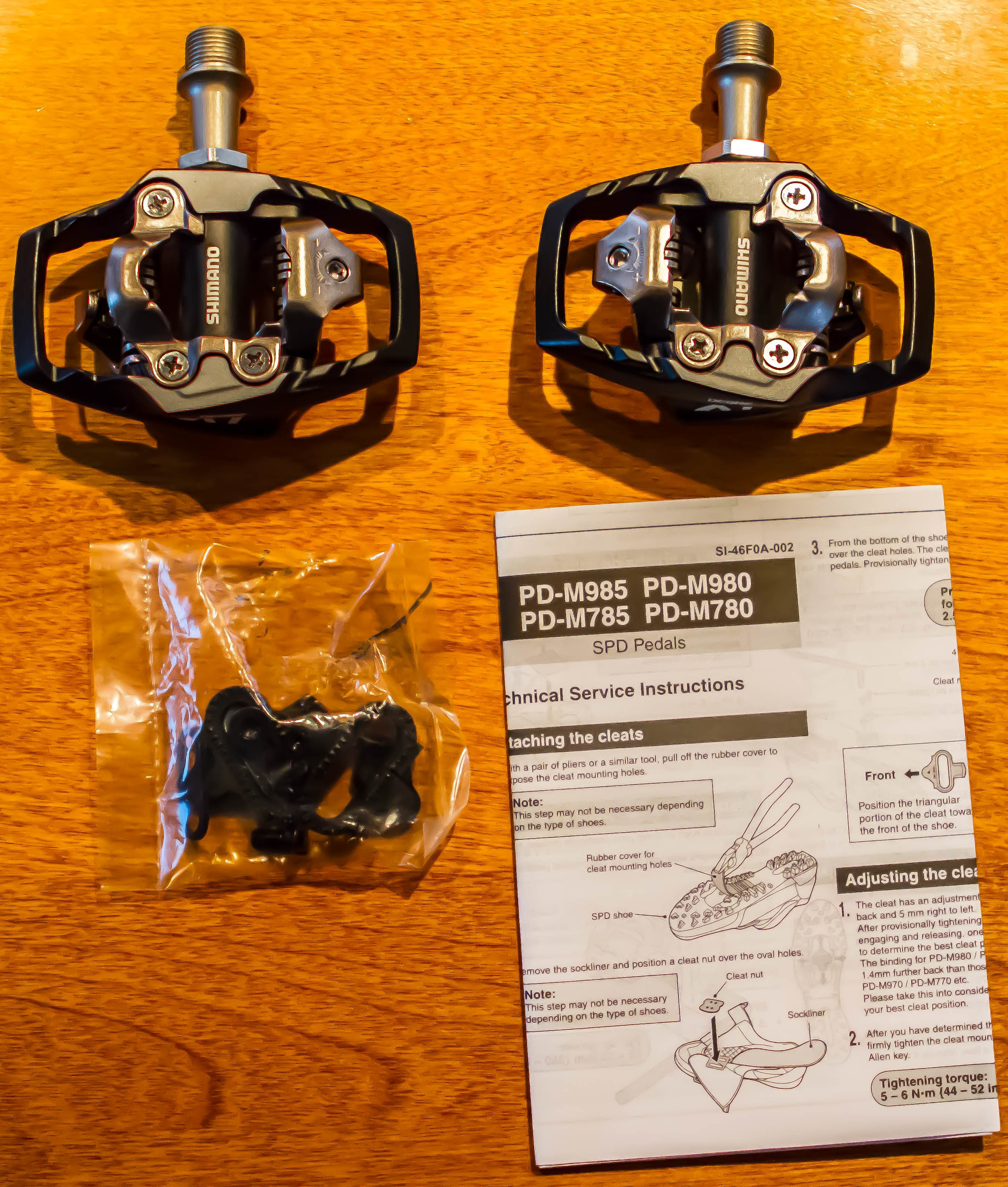 In the box: Pedals, Cleats/Screws, Instructions