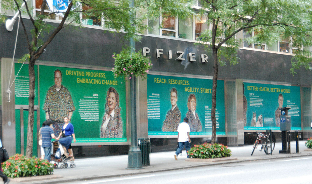 pfizer-largedisplay-2.jpg