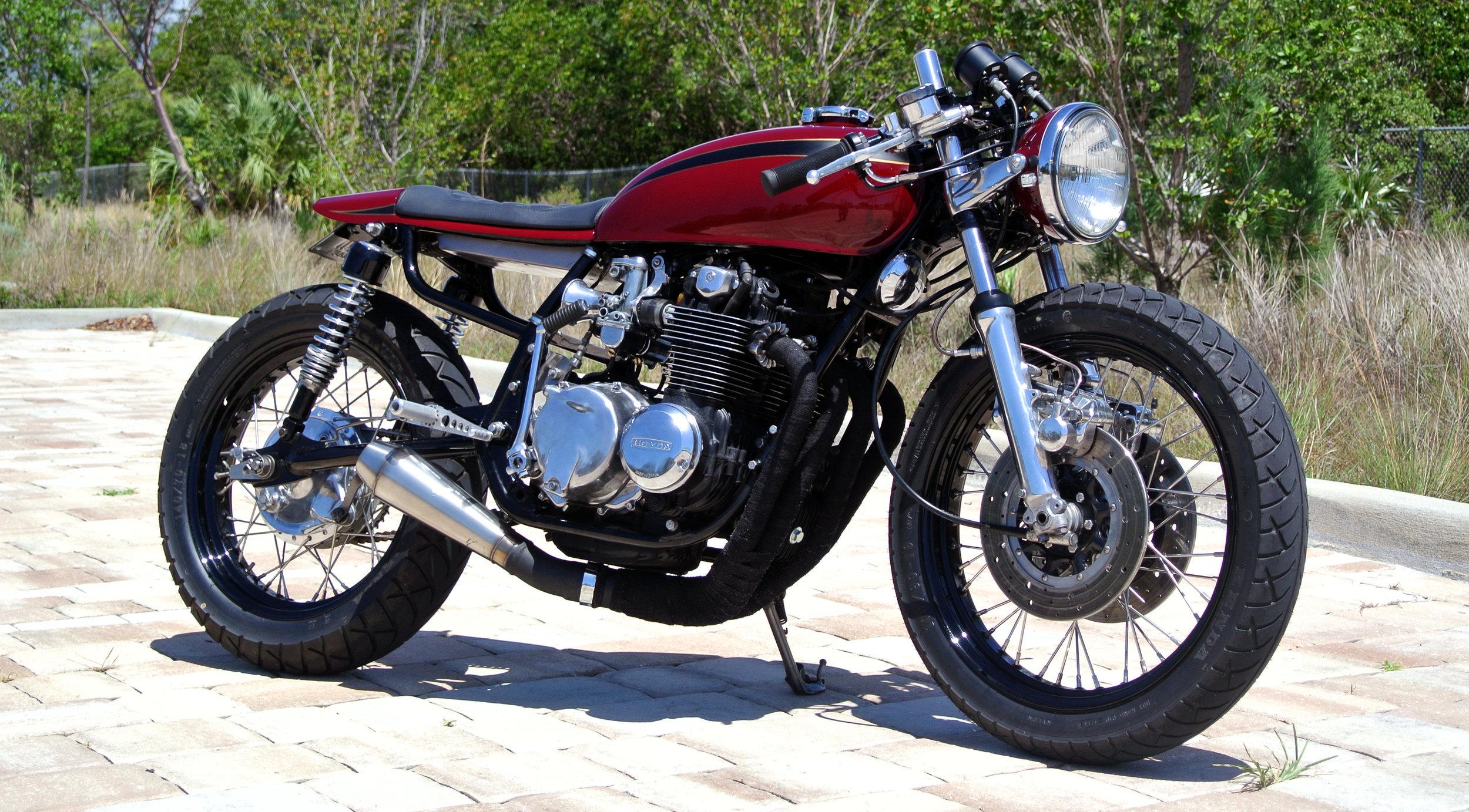 1976 Honda CB550 - Cafe Racer