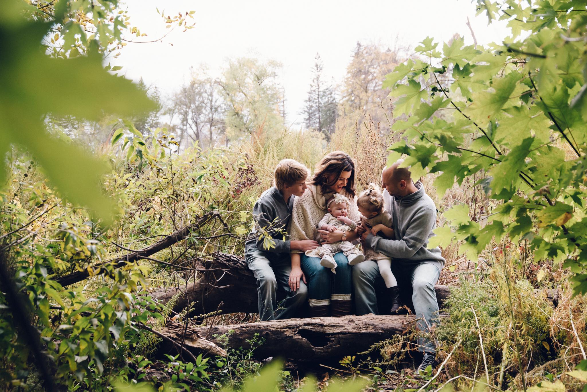 Childrens_Family_Photographer_Fargo_Moorhead-.jpg