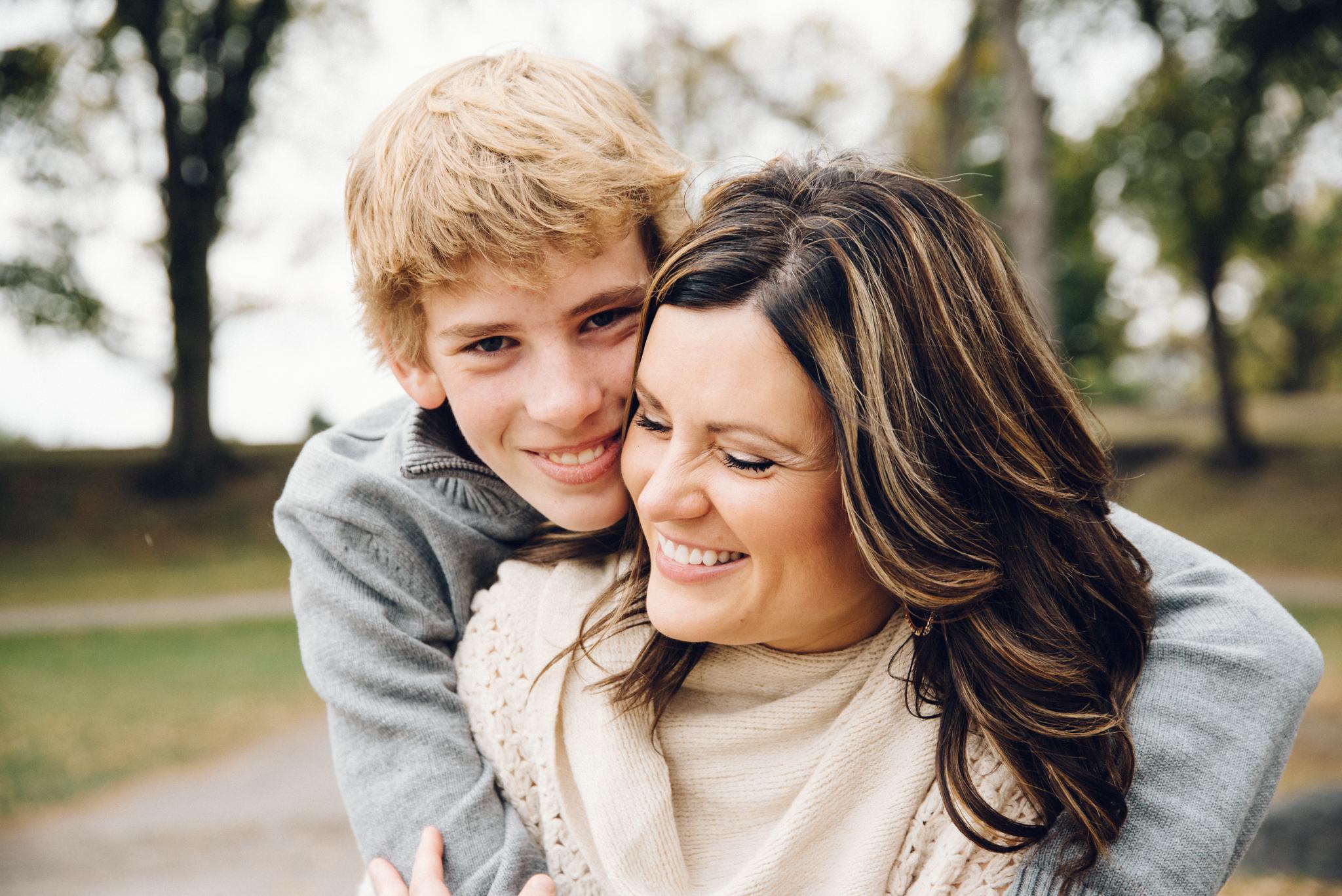 Childrens_Family_Photographer_Fargo_Moorhead-5136.jpg
