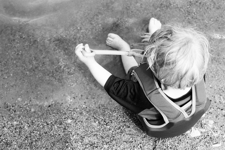 summer-park-family-film-session-fargo-2-2.jpg