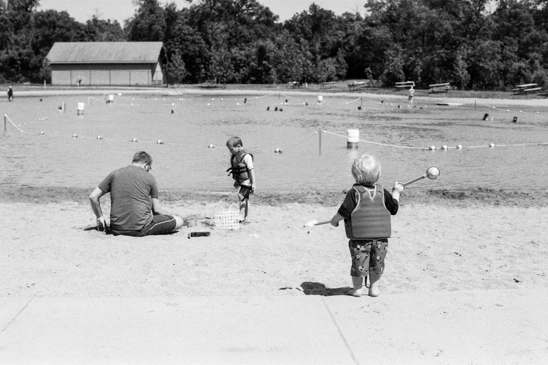 summer-park-family-film-session-fargo-2-4.jpg