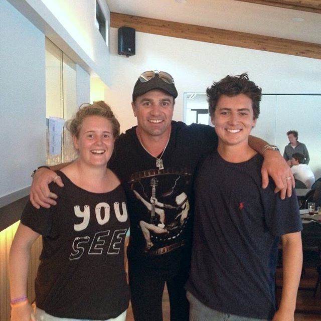 They say don't meet your heroes, but they've obviously never met Shannon Noll at the surf club. 2013?