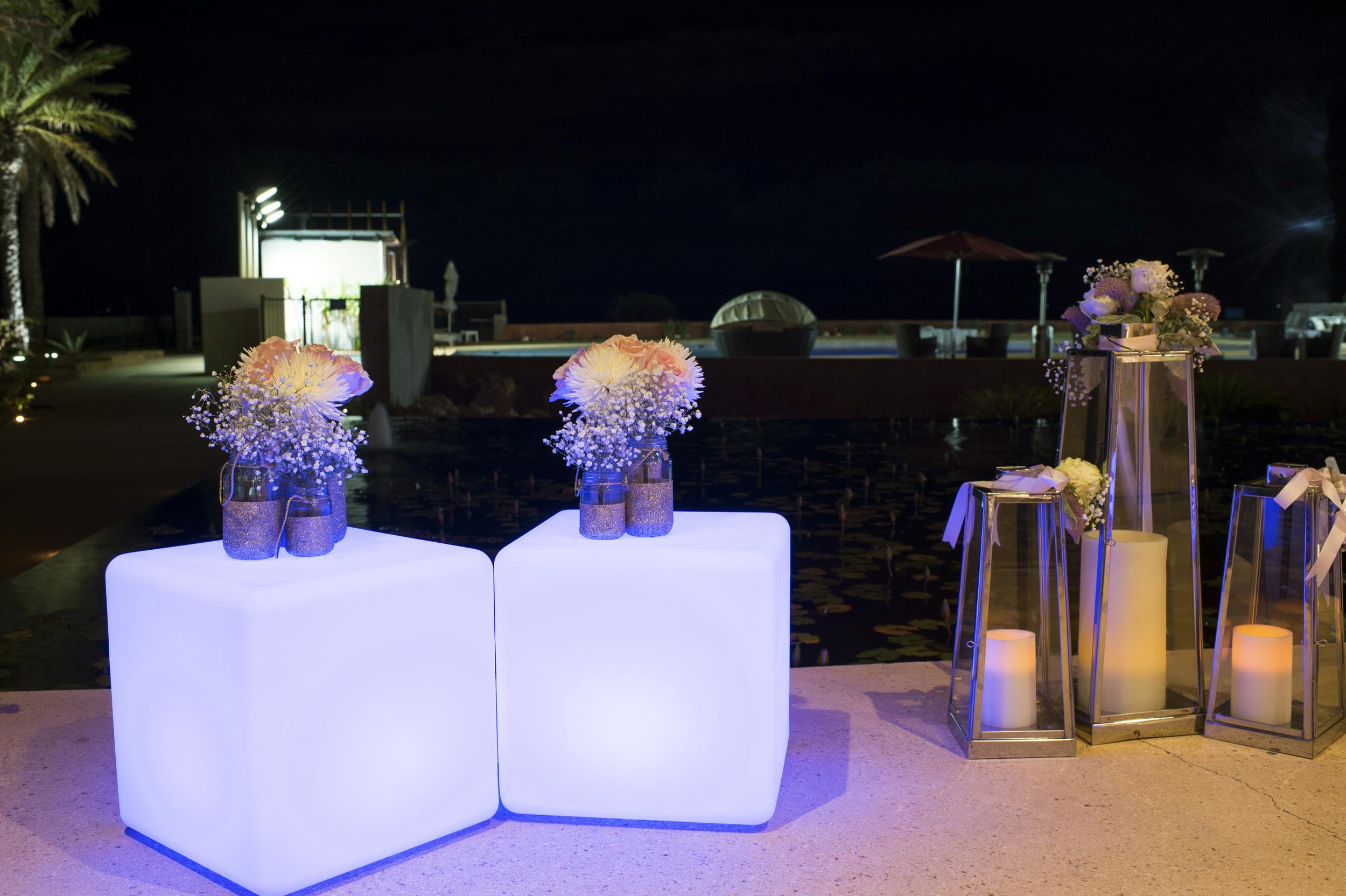 LED Cubes, Glitter Jars & Lanterns