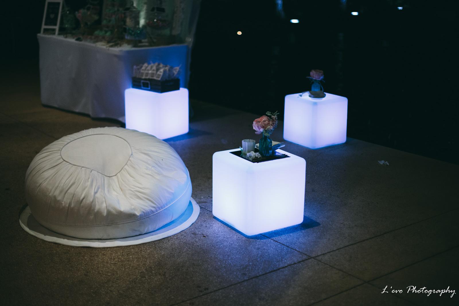 LED Cubes & Ottomons