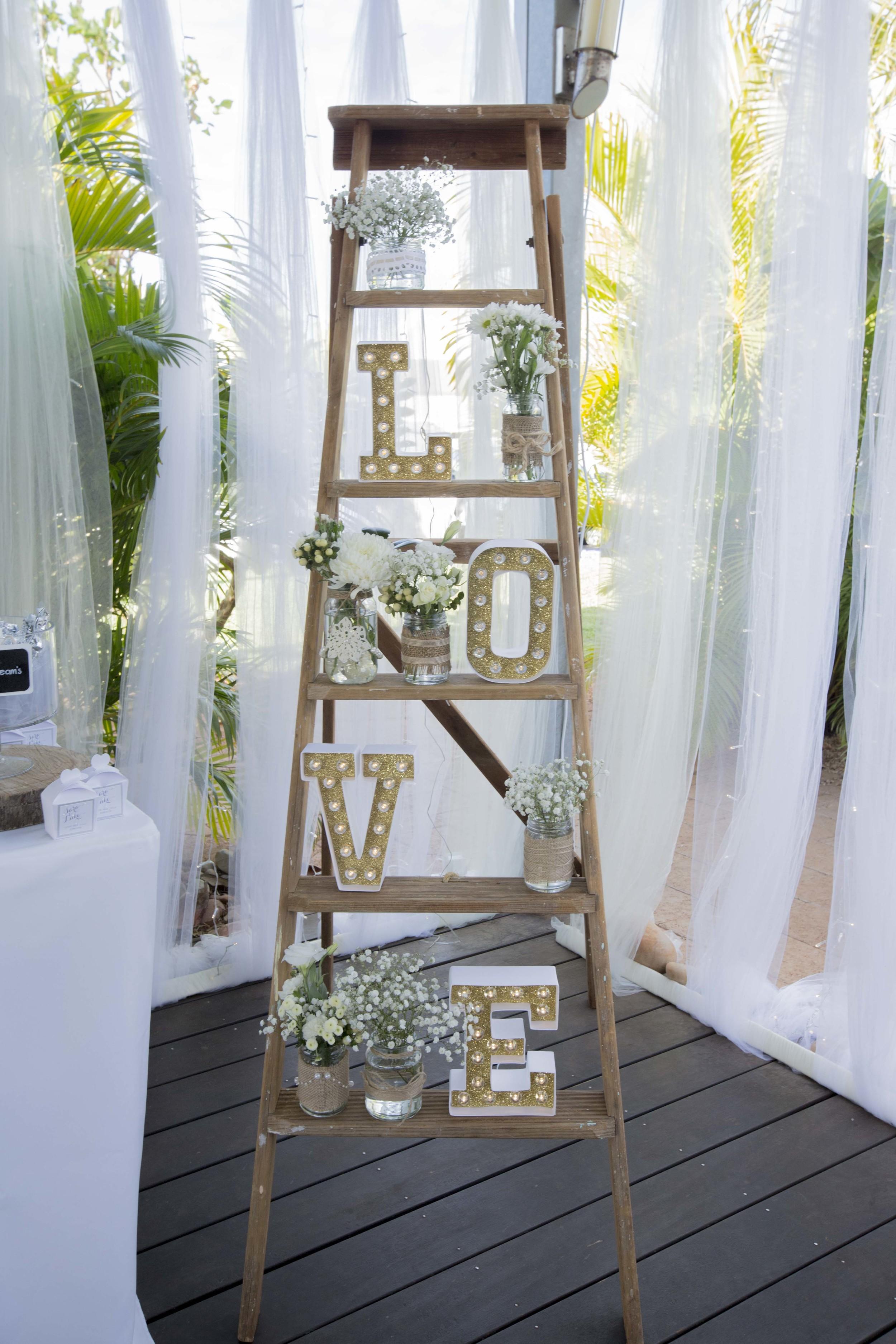 Vintage Ladder, Marquee LOVE 30cm, Vintage Jars