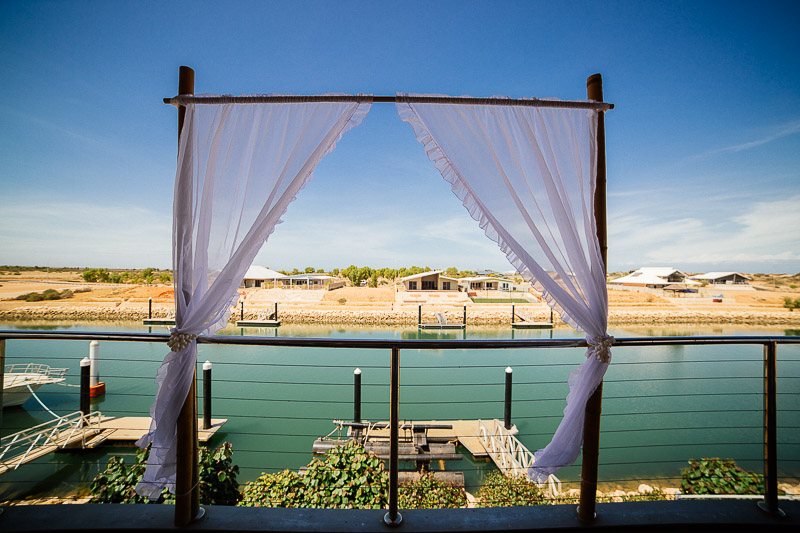ningaloo-exmouth- wedding-photographer-western australia-underwater brides-8-4.jpg