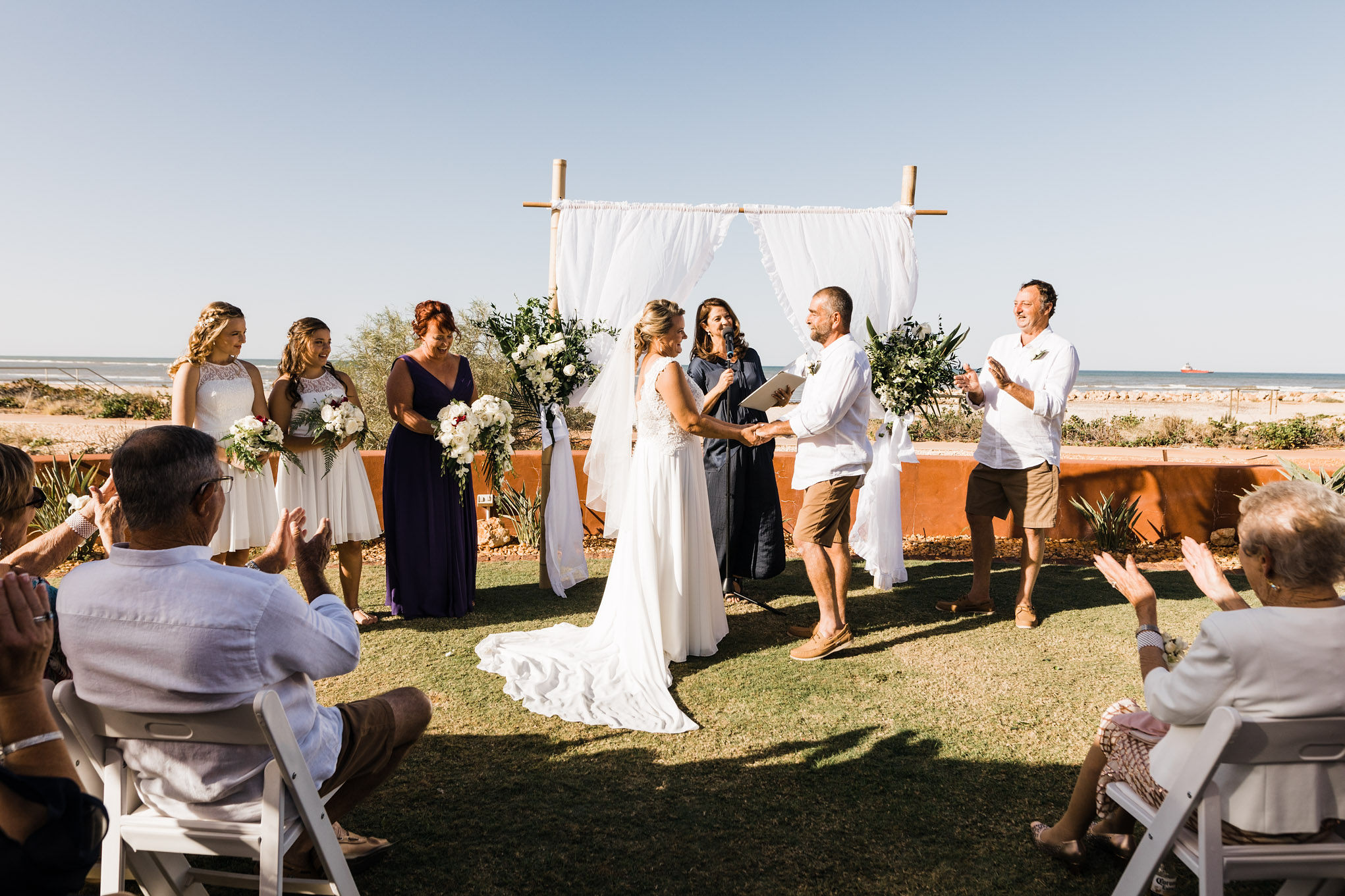 JS&G-elope-to-ningaloo-wedding-bluemedia-mantaraysresort-4.jpg