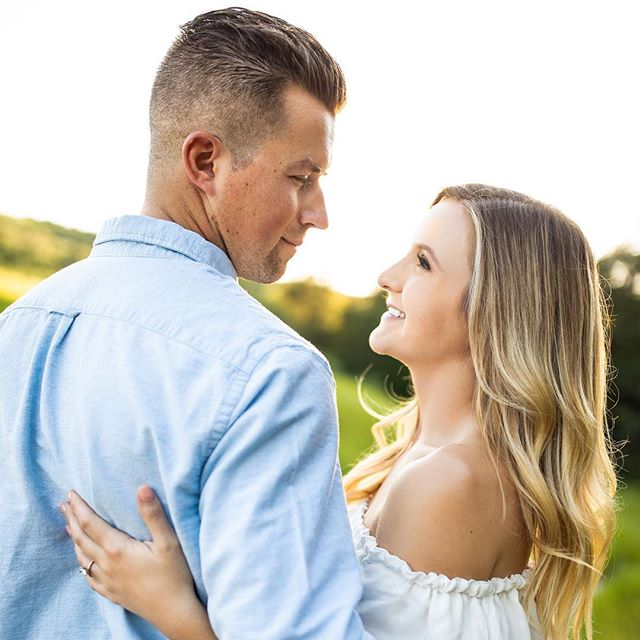 These two were the absolute dreamiest during their engagement session this past weekend. 😍