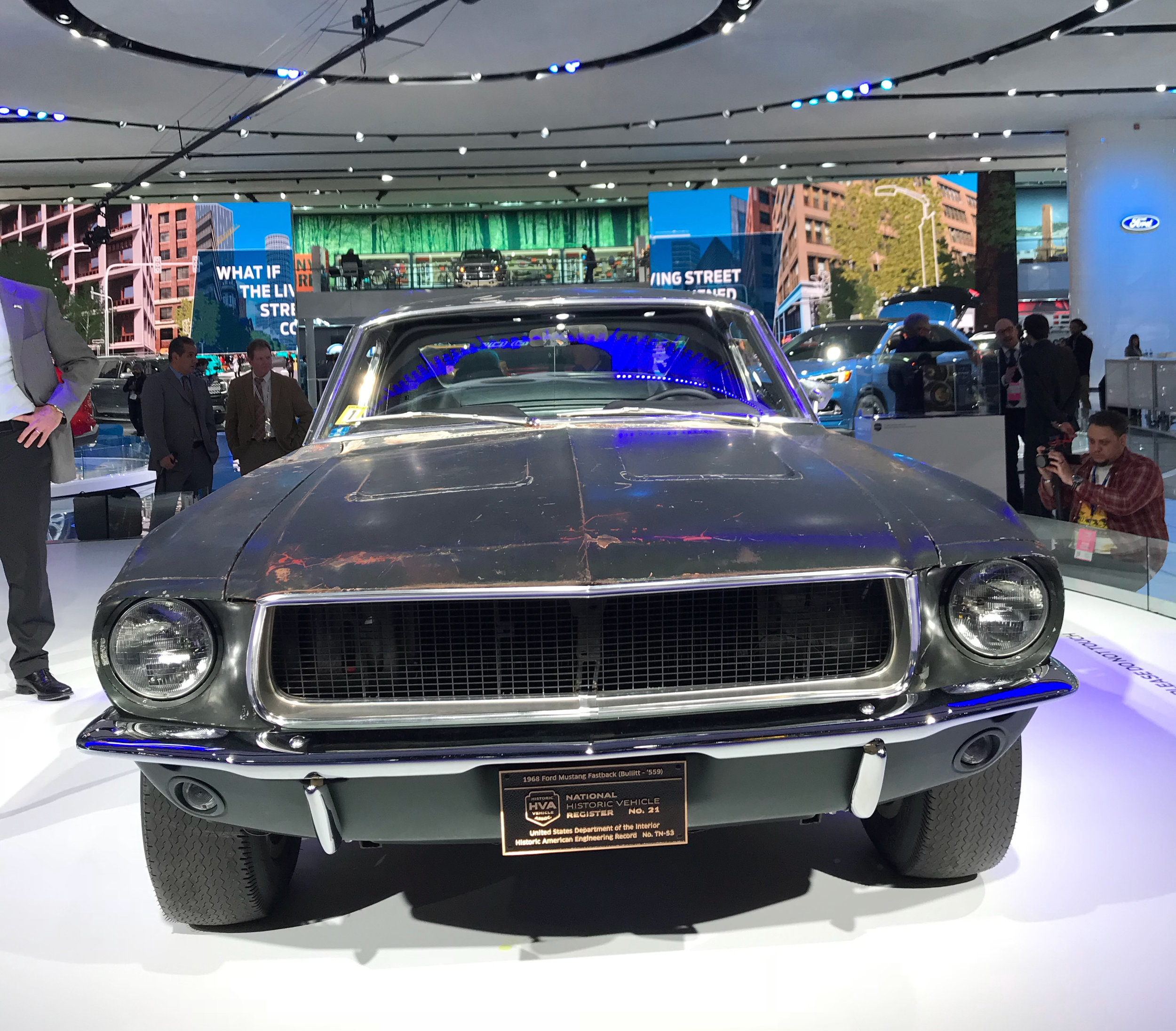 What to do in Detroit during the auto show - Watch Candice and the Nine crew break down what to do in the D during the Auto Show.