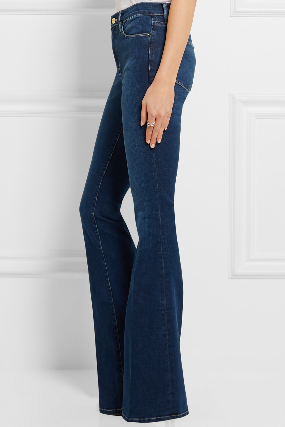 frame denim le high flare jeans weekly edit