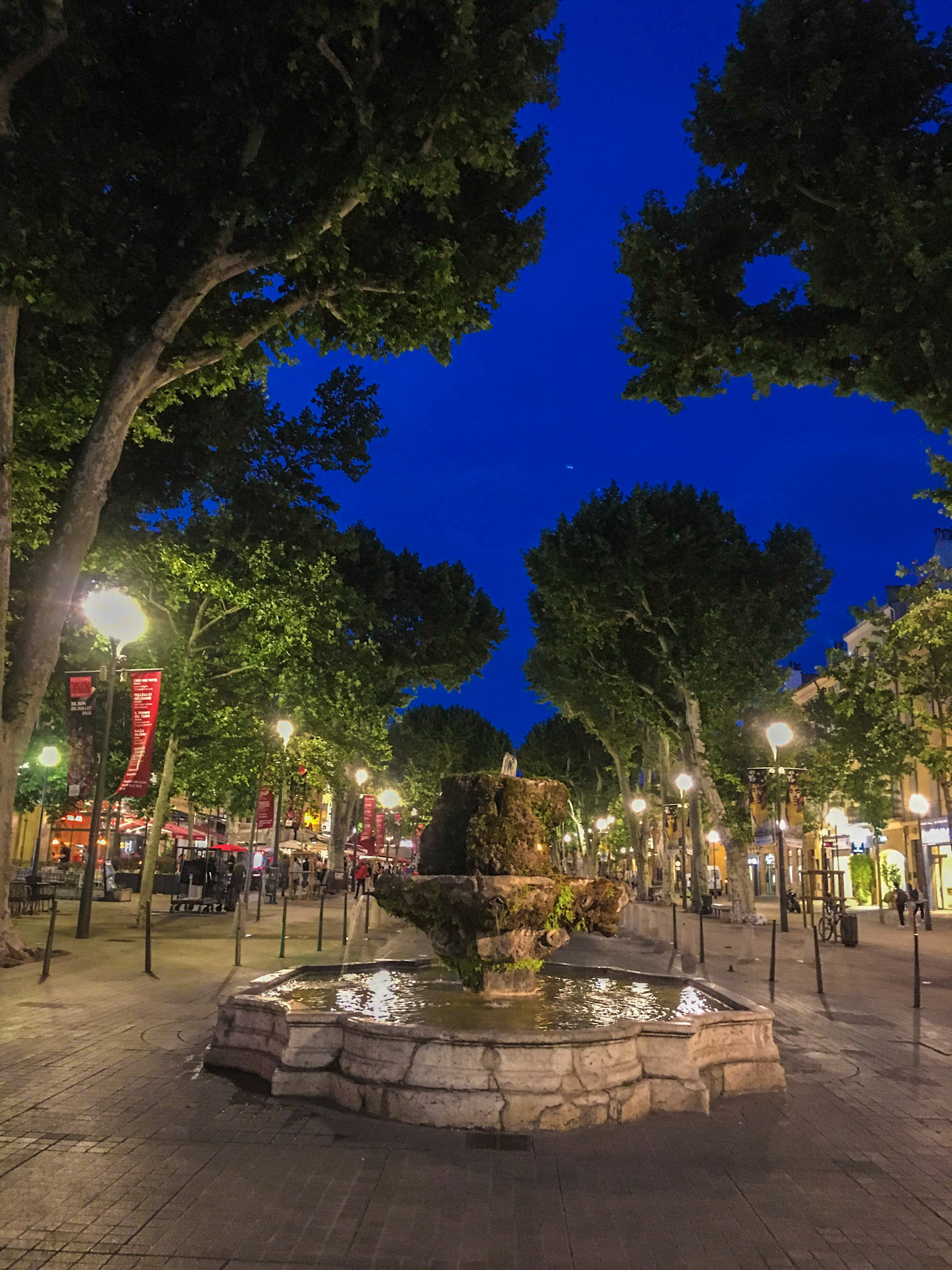 The Mossy Fountain on Cours Mirabeau in Aix-en-Provence, France | #mfrancisdesigntravels