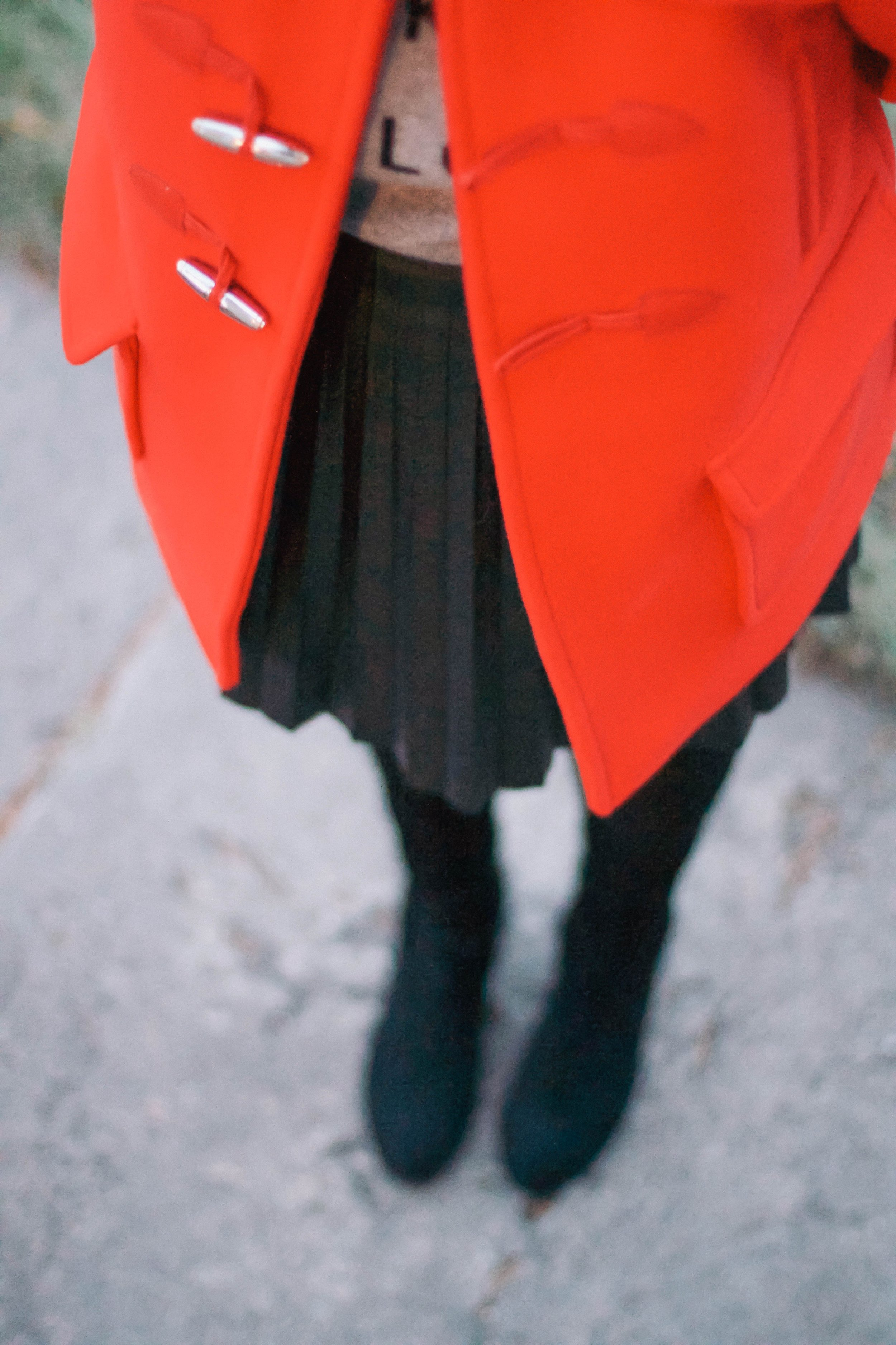 What-To-Wear-In-Winter-Red-Coat