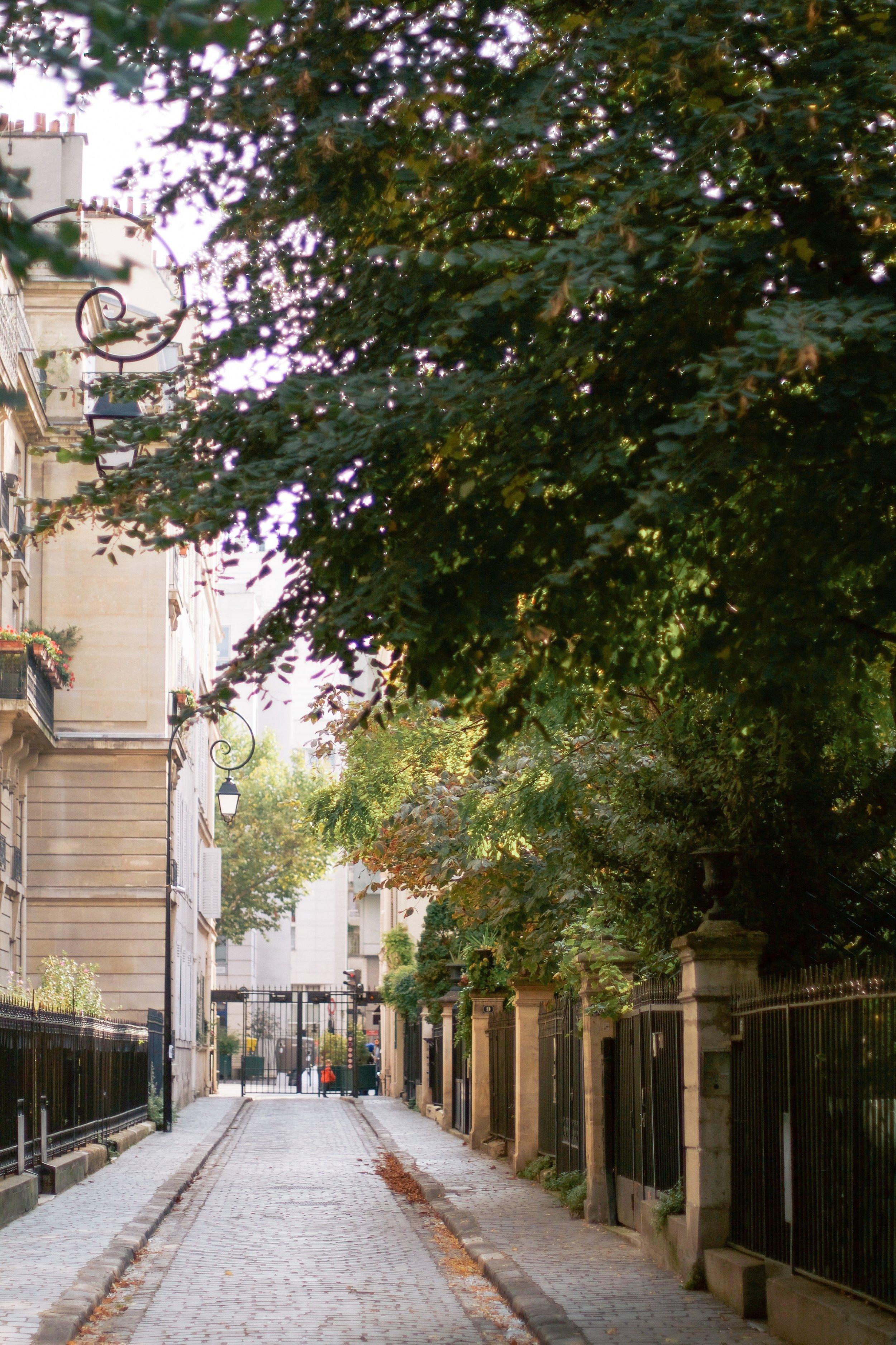 Paris-Walking-Guide-MonicaFrancis-17.jpeg