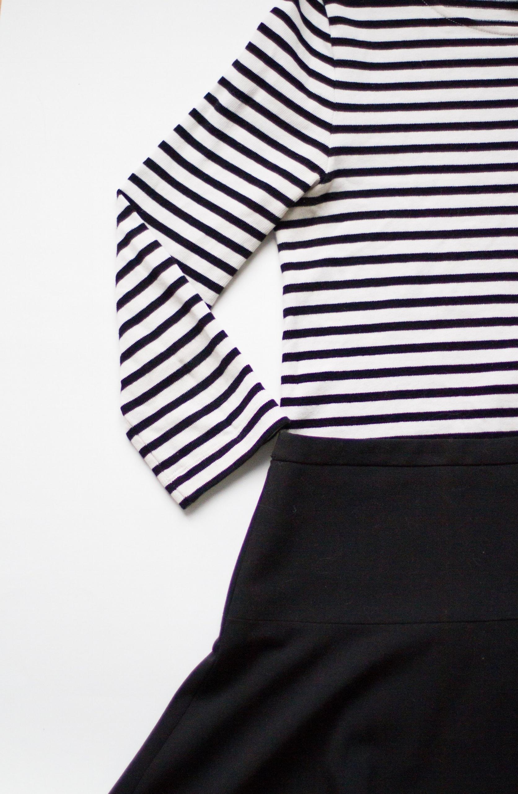 striped top   /   black skirt
