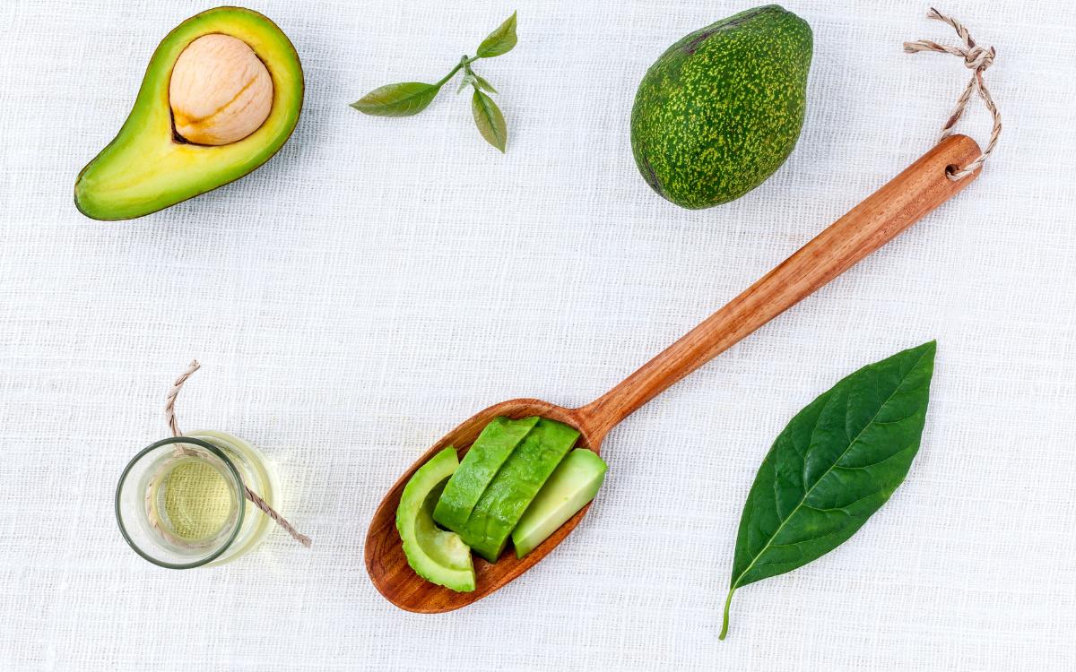 avocado-oil-hair-skin-benefits