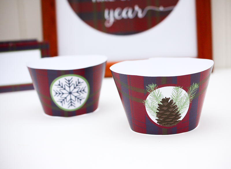 Free Printable Holiday Cupcake Wrappers - Enchanted Type