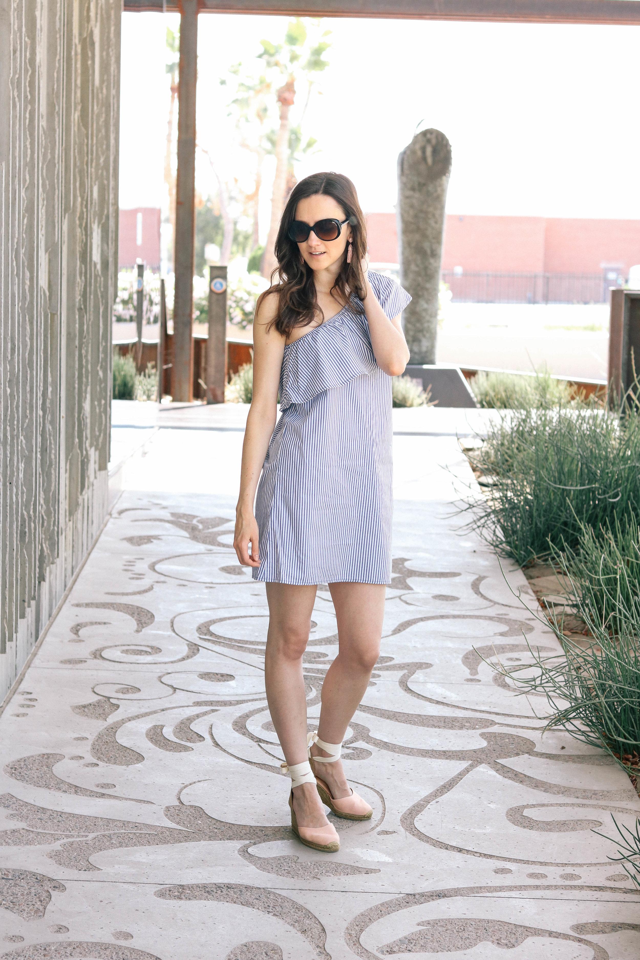 bb-ruffle-dress-002 (1 of 1).jpg