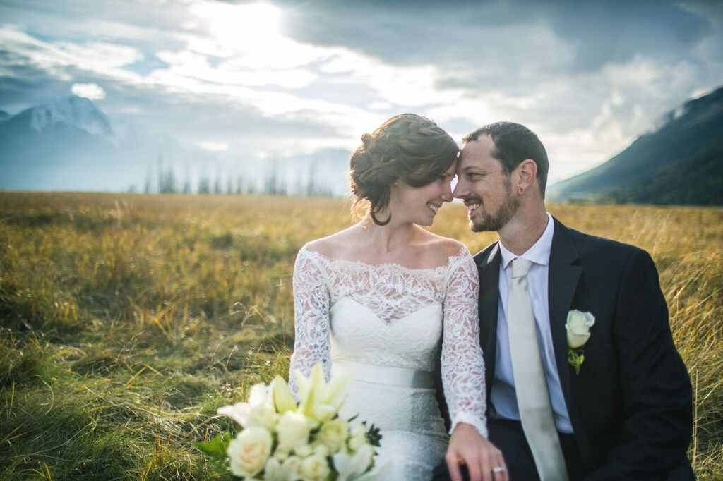 Photo -   Chugach Peaks Photography     Bouquet -  Evelyn's Floral
