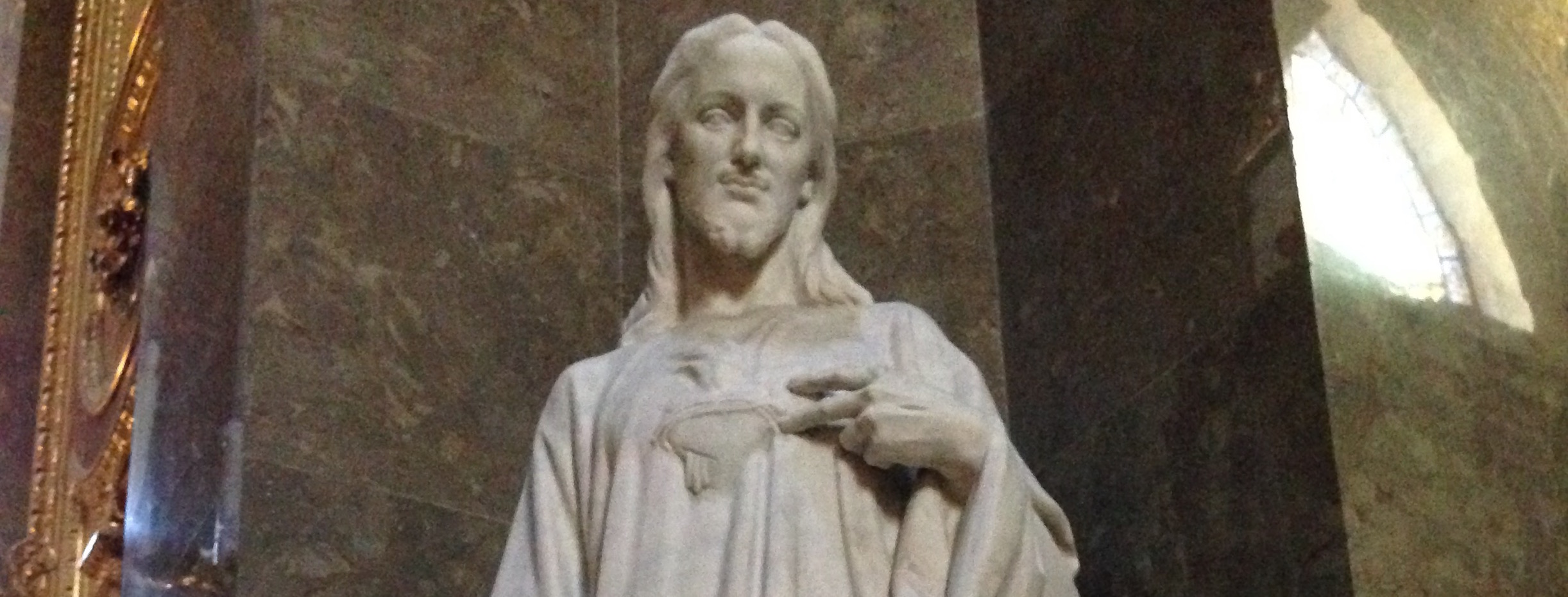 This chill statue of Jesus resides in St. Stephen's Basilica in Budapest.