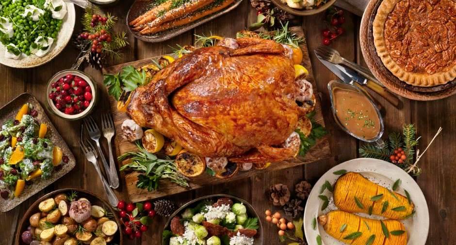 De feestdagen zijn voor veel mensen de moeilijkste periode om op gewicht te blijven. Het extra eten van PROTEÏNEN zou een oplossing kunnen zijn om minder gewicht en dus ook vetweefsel bij te komen.