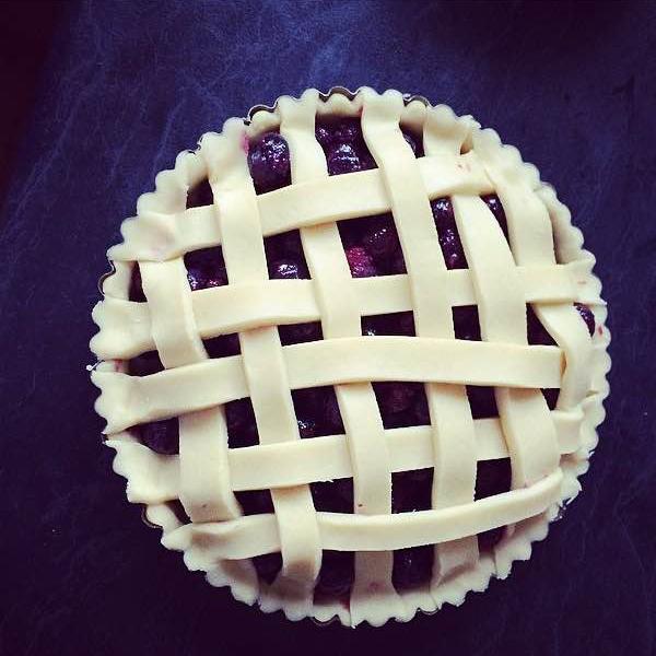 cherry_cakes_blueberry_pie_02.jpg