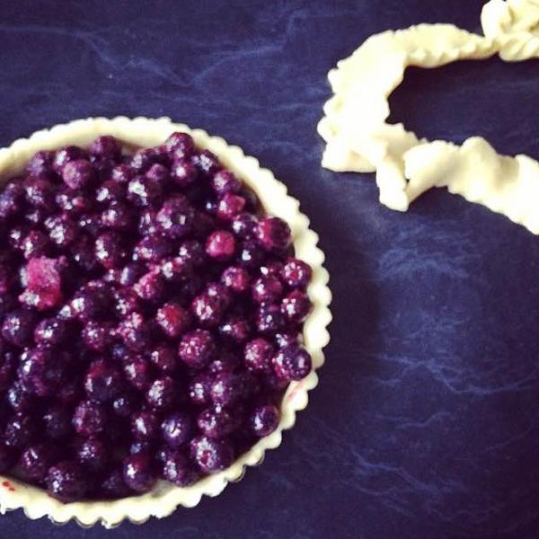cherry_cakes_blueberry_pie_00.jpg
