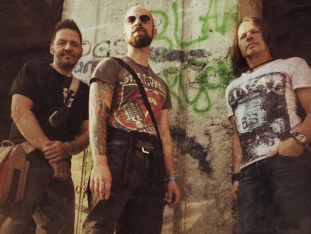 Dan Hunter Trio: Dirk, Dan, Mike