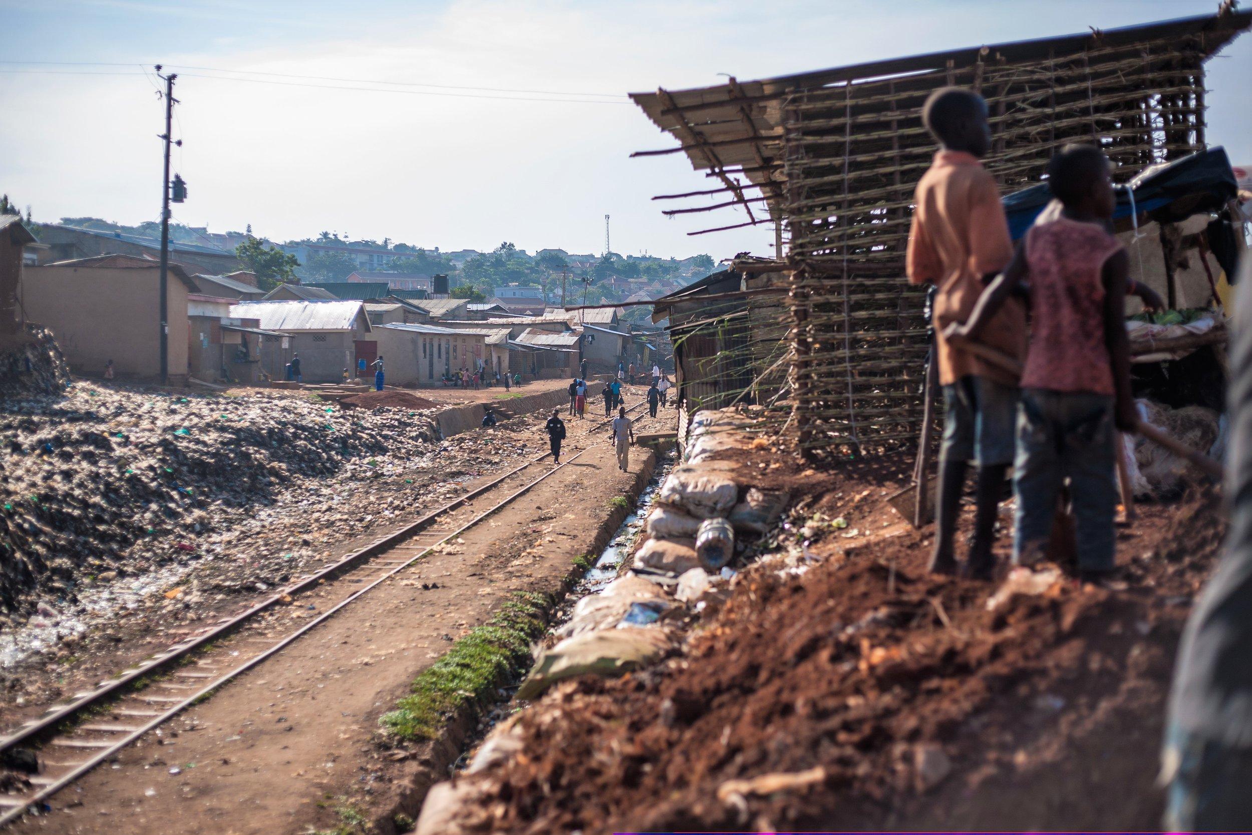 Context_Namuwongo_Railway_Photo1_2017.jpg