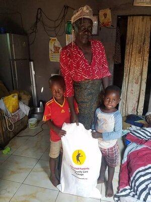 The Kids Club Kampala team have began handing out food parcel's in the slum communities.