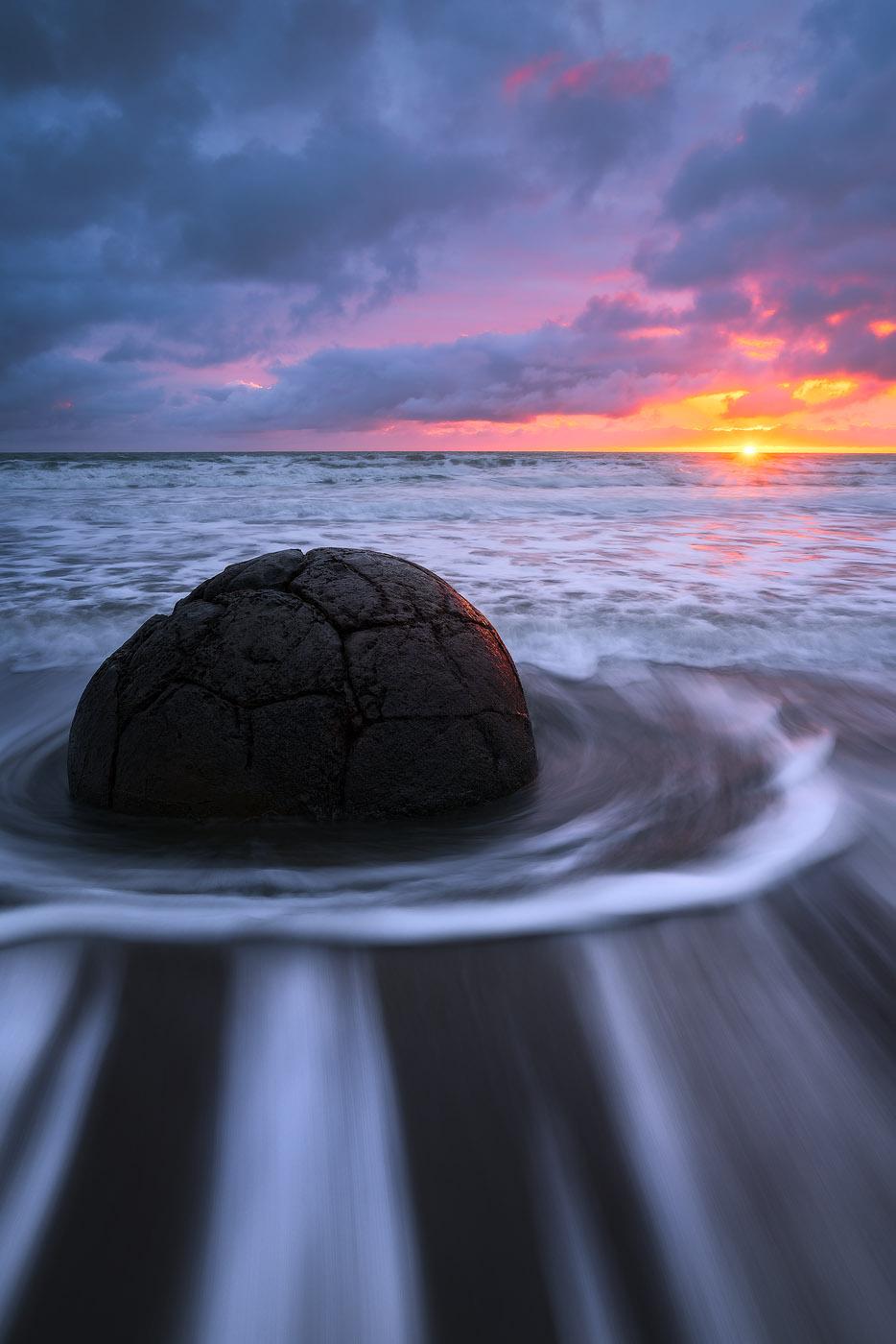 Moeraki-Boulders-Sunrise-Long-Exposure-New-Zealand.jpg