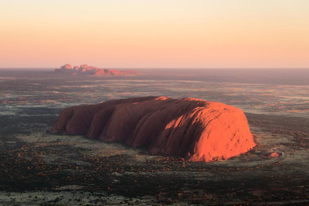 Uluru-Kata-Tjuta-Australia-Ayers-Rock-Sunrise.jpg