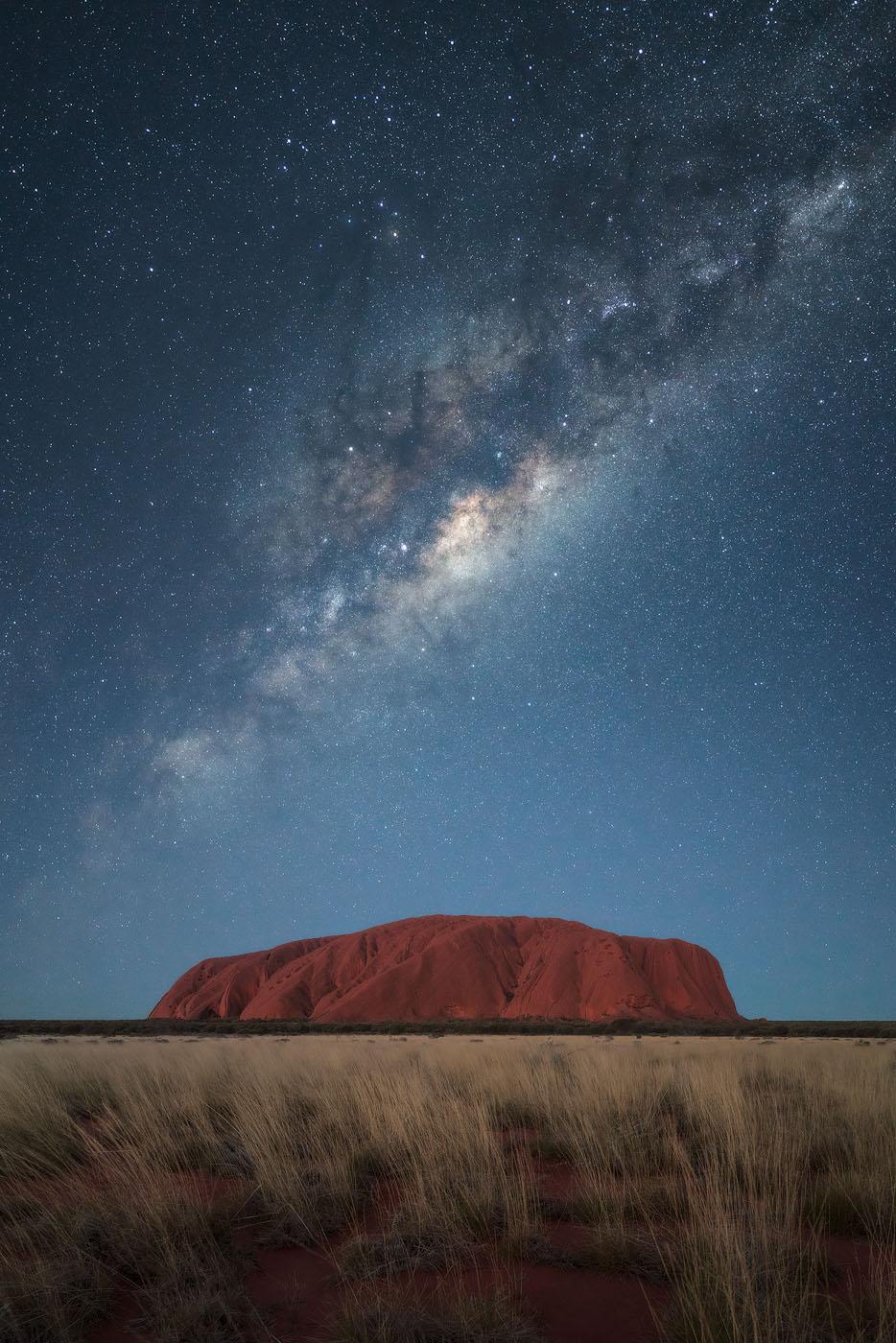 Uluru-Outback-Australia-Stars-Miky-Way.jpg