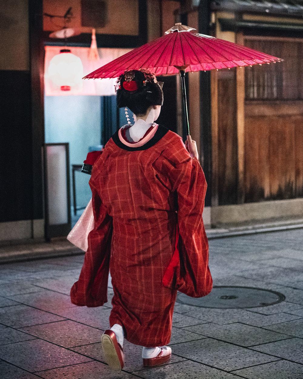 Japan-Street-Photography-People-10.jpg