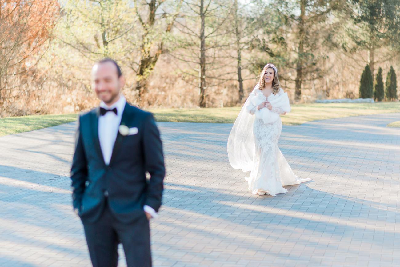 arlington-estate-winter-wedding-first-look-11.jpg
