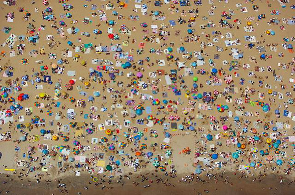 Vincent Laforet  Coney Island • 2006 62 x 44 inches (framed) 60 x 40 inches (unframed)
