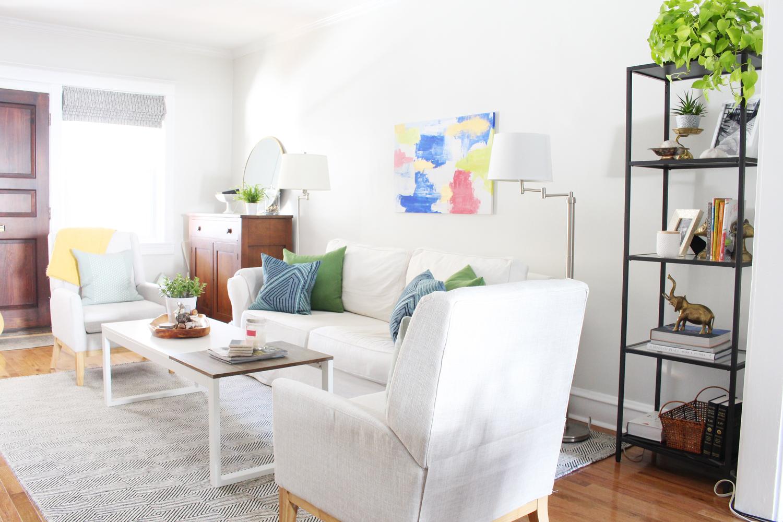 Eclectic-Bright-White-Living-Room-11.jpg