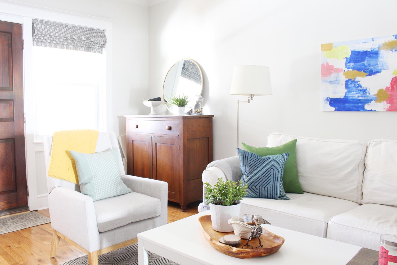 Eclectic-Bright-White-Living-Room-9.jpg