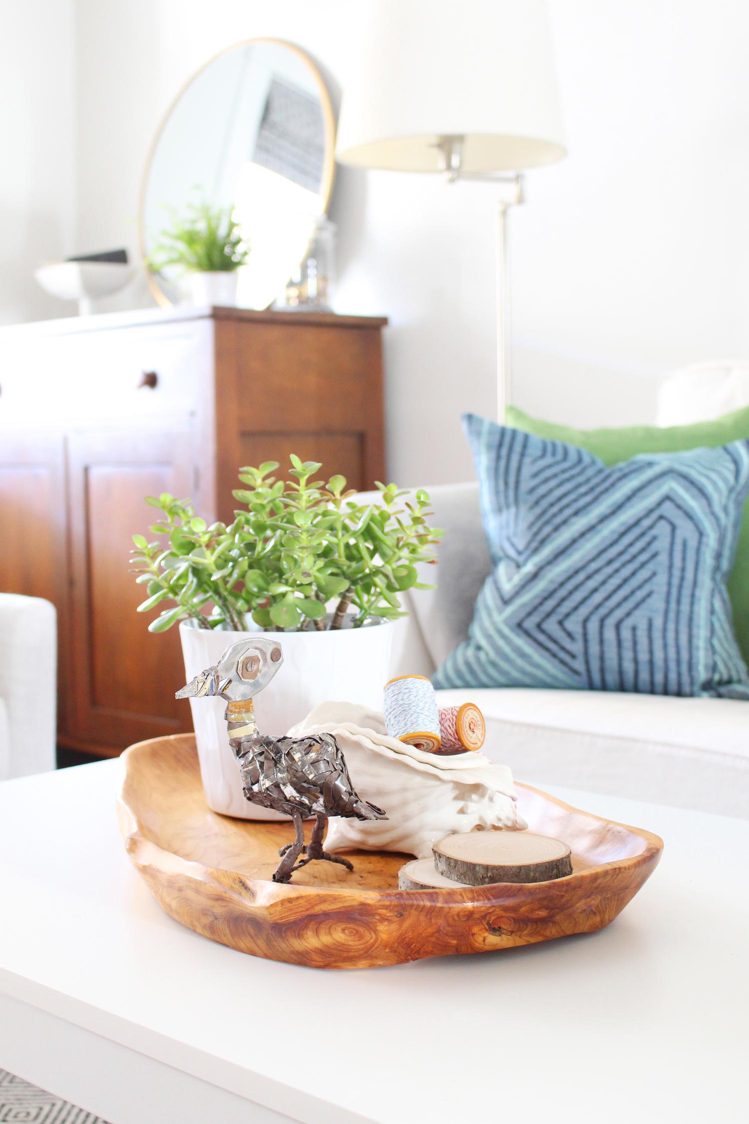 Eclectic-Bright-White-Living-Room-17.jpg